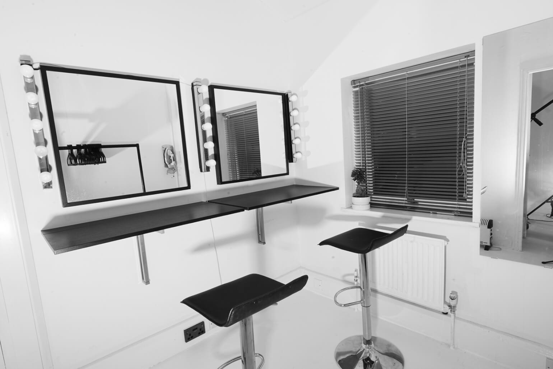 d10studios_makeup_room